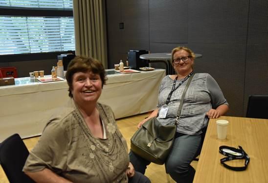 Conny Pfeiffer mit ihrer besten Freundin Karin